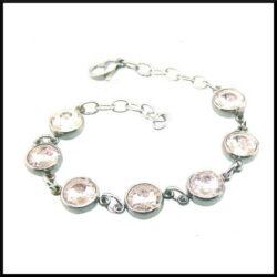 Armband i stål med rosa stenar