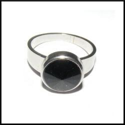 Stål ring med svart sten