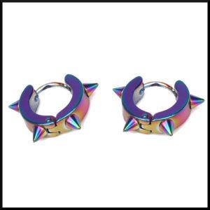 örhängen i regnbågsfärgat stål