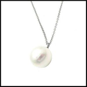halsband med vit sötvattens pärla