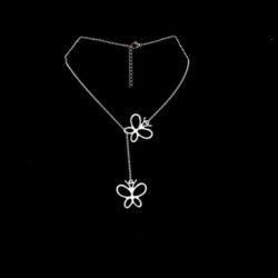 halsband med fjäril i stål