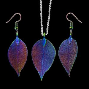 halsband med löv i stål