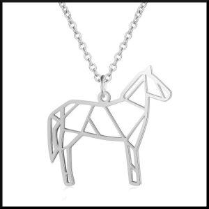 Halsband i stål med häst