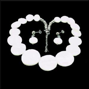 Halsband Snäcka i stål och snäckor
